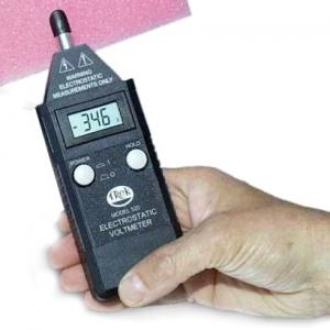 Voltmeeter TREK523 +-20kV DC feedback meter